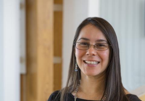 Headshot of Sandra De Urioste Stone