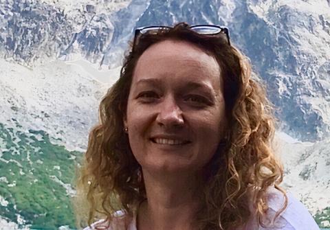 Headshot of Simona Augyte
