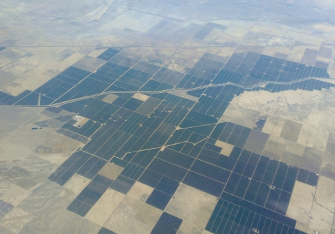 Aerial view of Kern County farmland - wikimedia
